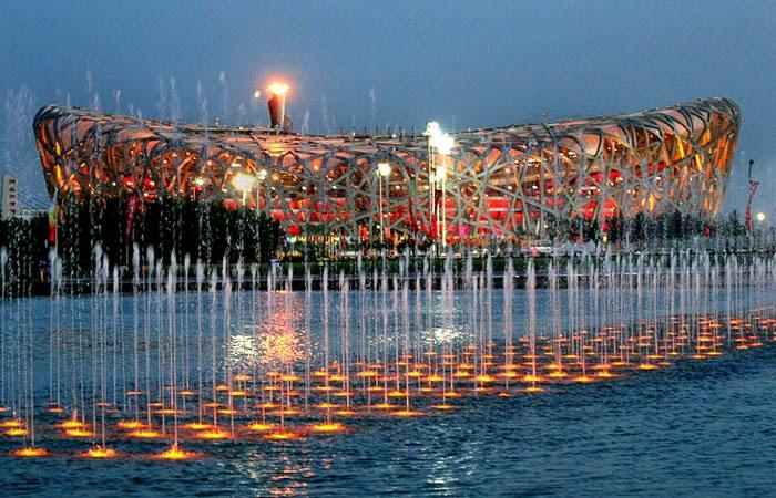 2008_Summer_Olympics_flame_at_Beijing_National_Stadium_1